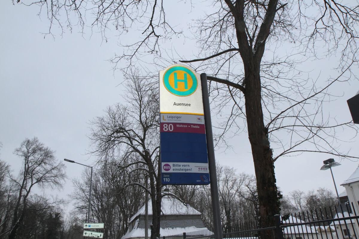 haus-auensee-bushaltestelle