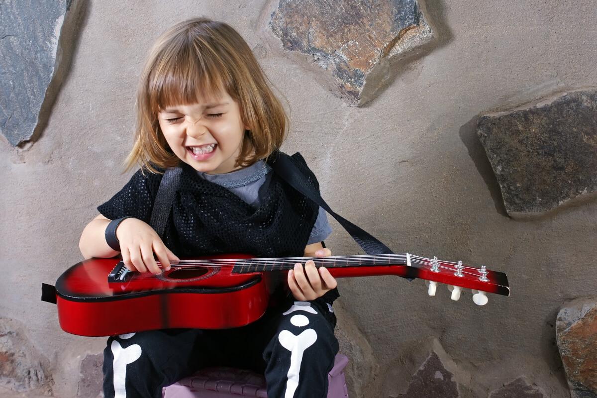kinder-lieder-lernen-gitarre
